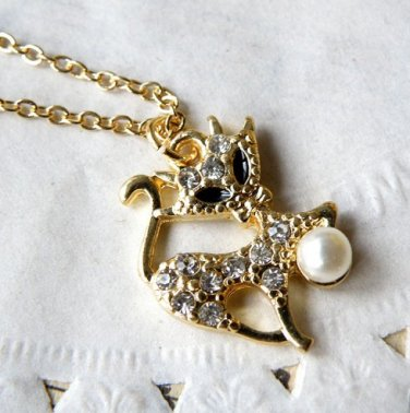 Vintage Style Vogue Gold Inlay Rhinestone Lovable Catling Pearl Necklace