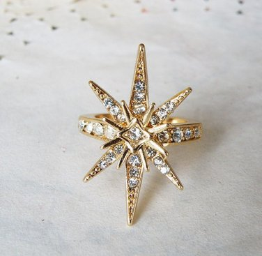 Vintage Style Vogue Gold Inlay Rhinestone Star PUNK Ring