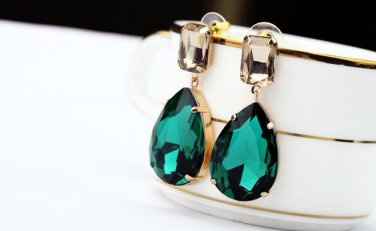 Antiqued Gold Vintage Style Classic Vogue Earrings Emerald Green Crystal Earrings