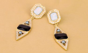 Antiqued Gold Vintage Style Classic Vogue Earrings Rhombus Crystal Rhinestone Earrings