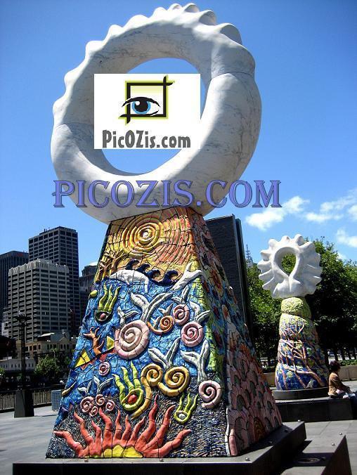 "VST002201109 - Statue in Melbourne - 15x20cm (6x8"")"