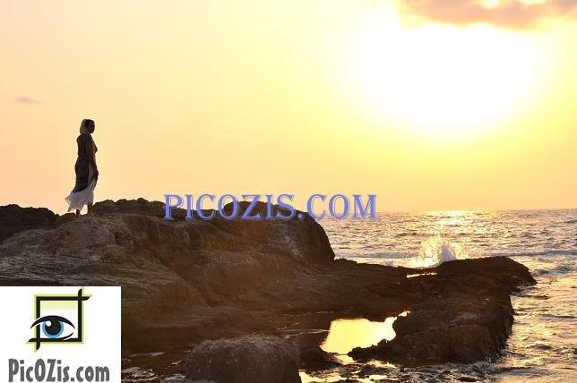 "BSU003201109 - Enjoying the sunset- 20x30cm (8x12"")"