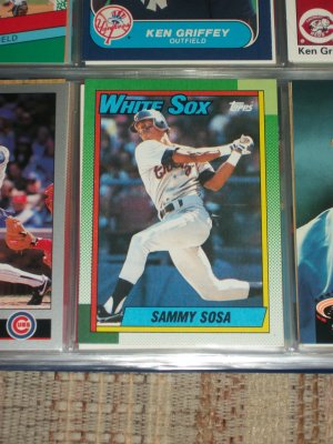Sammy Sosa 1990 Topps baseball card- Rookie year