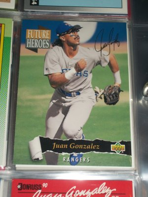 Juan Gonzalez 93 Upper Deck baseball card- Future Heroes with gold signature