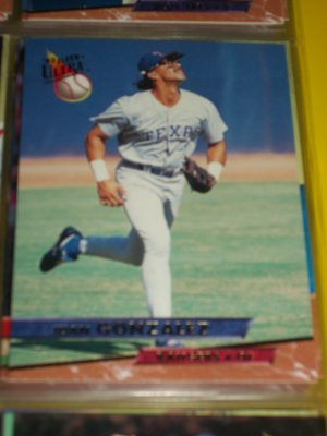 Juan Gonzalez 93 fleer ultra baseball card