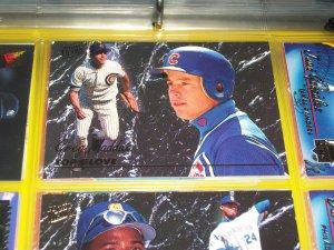 "Greg Maddux 93 Fleer Ultra RARE insert ""Top glove"" baseball card"