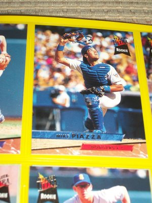 Mike Piazza 93 fleer ultra baseball card- ROOKIE