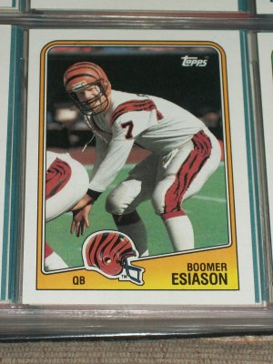 Boomer Esiason 1988 Topps football card