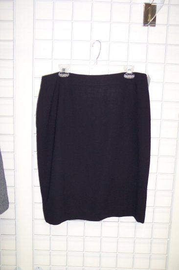 Liz Claiborne Navy Pencil Skirt Size 16  101-601 Once Is Never Enough