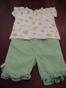 Starting Out Sweet Frog Print Pant Capri's Set Size 12 Months EUC location8