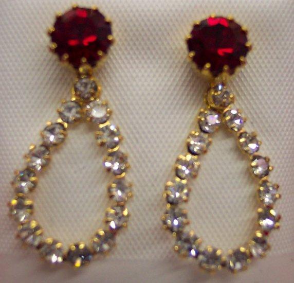 Delicate Vintage Rhinestone Pierced Drop Earrings 147-408