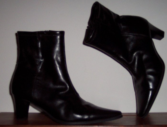 NWOT Glacee Patent Leather Pointy Toe Boots Size 6M location85