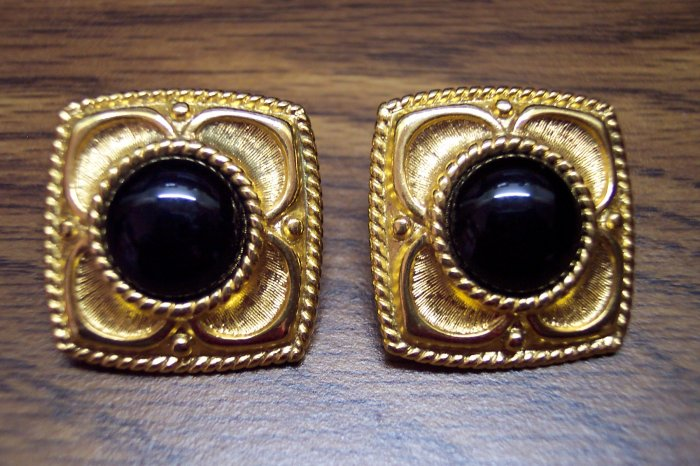 Vintage Goldtone and Black Cabs NAPIER PIERCED EARRINGS 101-3775 Costume Jewelry