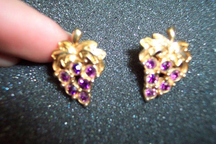 Vintage Avon GRAPE Rhinestone Cluster Goldtone PIERCED Earrings101-3805 Costume Jewelry