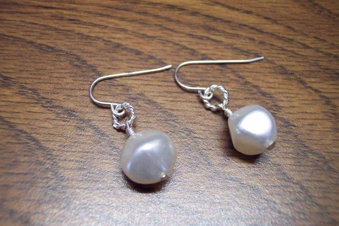 Elegant Silvertone Faux White Pearl Drop Pierced Earrings 101-05ear Vintage Costume Jewelry