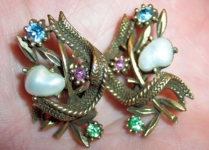 Vintage CORO Clip Earrings Antique Goldtone Rhinestones and Faux Pearl Cabs 101-3872
