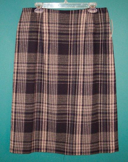 Vintage Savannah Wool Blend Long Black Plaid Career Retro Skirt ~ 16 16P ~ 101-1308h location85