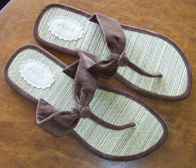 Apt 9 Womens Women's Thong Sandals Shoes 9.5 9 1/2  ~ 101-5012