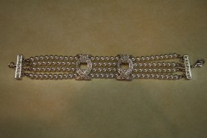 Vintage Faux Pearl And Rhinestone Link Bracelet 101-h116h locationD1