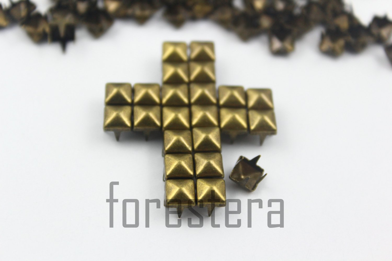 100 5mm Antique Brass Pyramid Studs DIY Studs Metal Studs Craft Studs Spike (BP05)