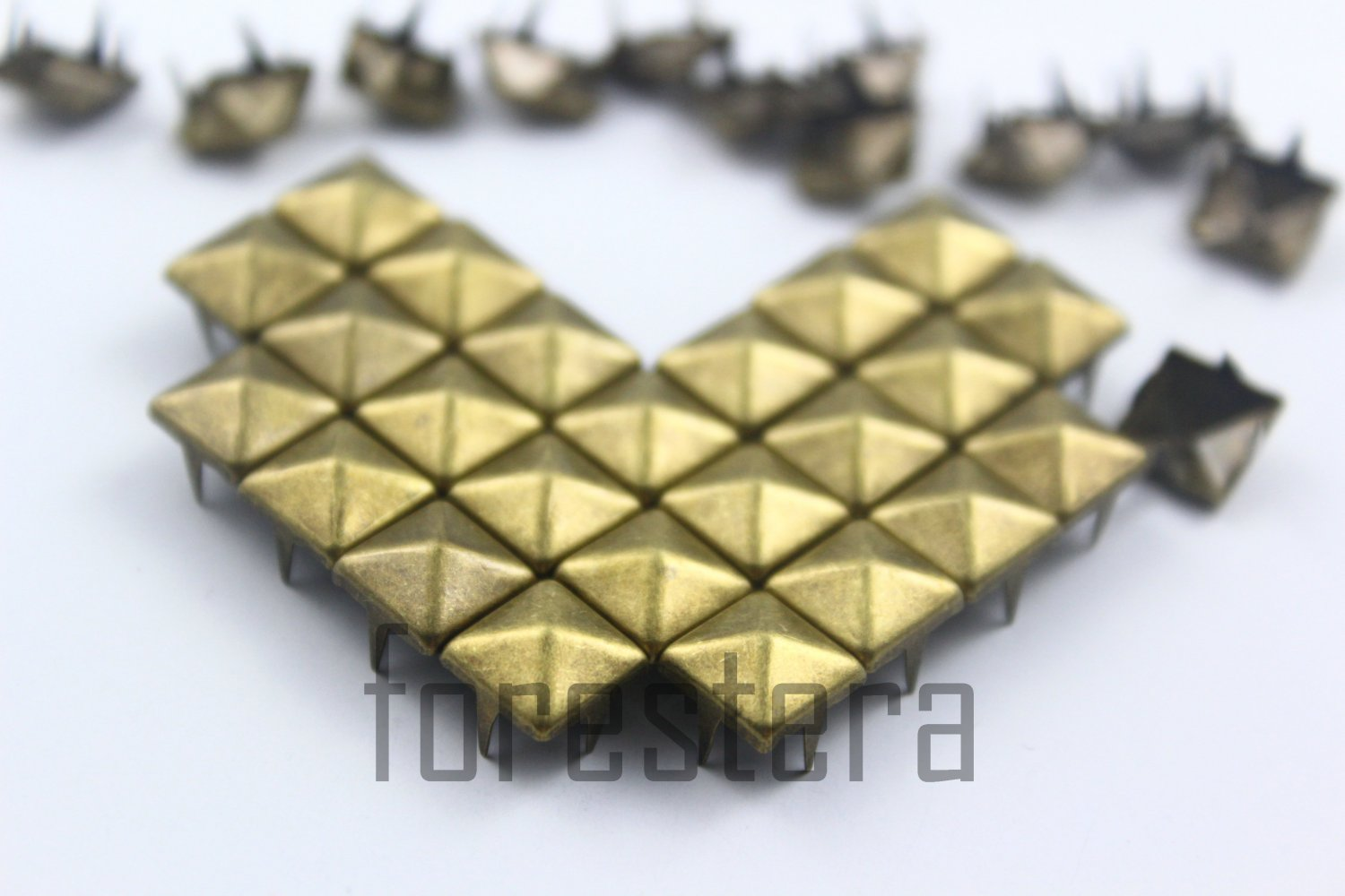 100 8mm Antique Brass Pyramid Studs DIY Studs Metal Studs Craft Studs Spike (BP08)