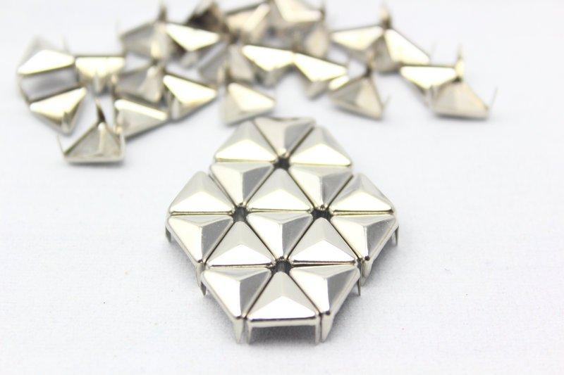100 10mm Silver Triangle Studs DIY Studs Metal Studs Craft Studs Spike (ST10)