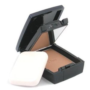 Dior DiorSkin Forever Compact Flawless & Moist Extreme Wear Makeup SPF 25
