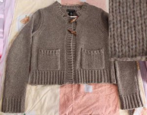 NWT Lambswool Sweater Size M/M $50+-- shipping fee isn't correct, plz contact us before pay