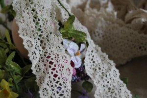 "Beautiful Crocheted cotton lace trim 1.8"" Wide 4 yds Fast Shipping !"