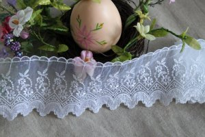 Fabulous Lace Trim Embroidered Floral on Mesh Tulle 1.6 yd Fast Shipping