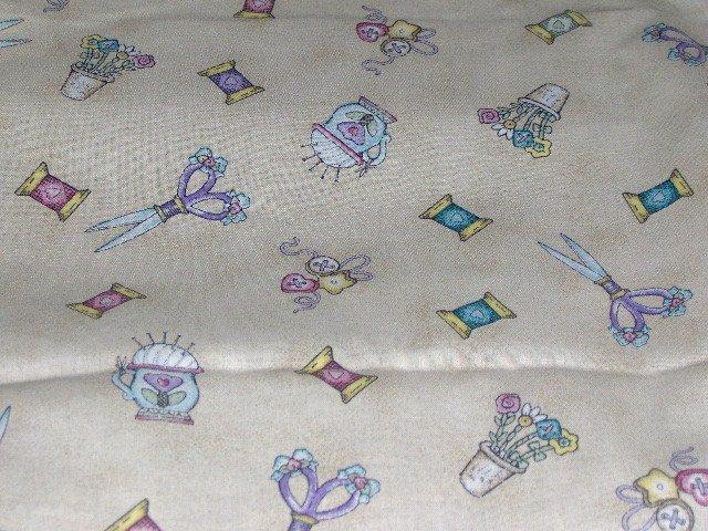 "Daisy Kingdom ""Sew Cozy Notion"" Fabric  Scissors Thread Pincushion Buttons 3/4 yds"