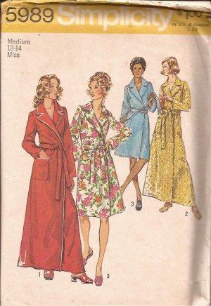 Simplicity 5989 (1973) Vintage Classing Wrap Tie Robe Patch Pocket Pattern Size 12 - 14 Medium CUT