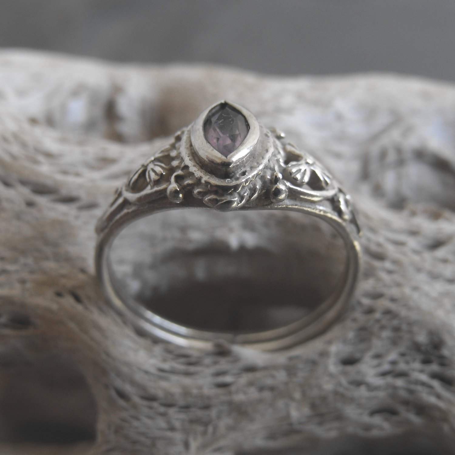 Sterling Silver And Amethyst Ring (sz.6½)