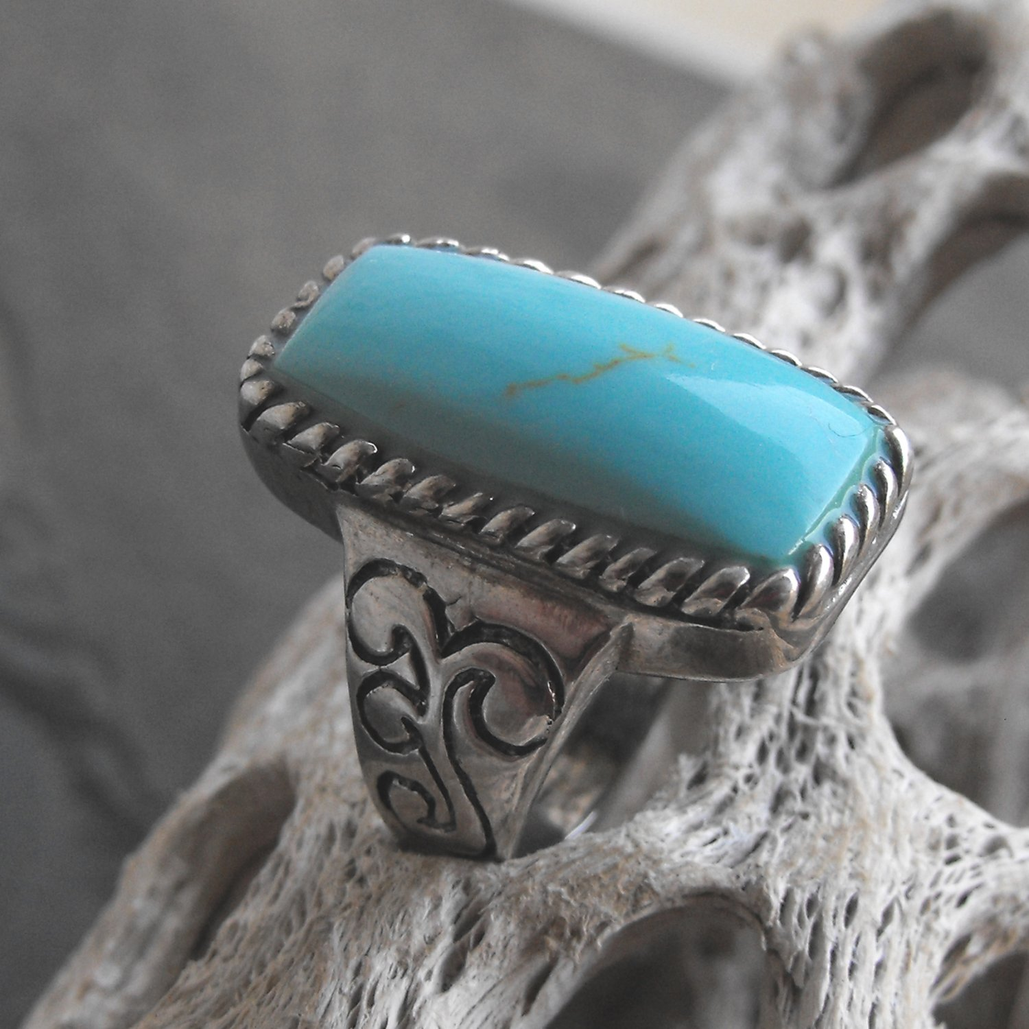 Natural Tuquoise And Sterling Silver Ring (sz.8)