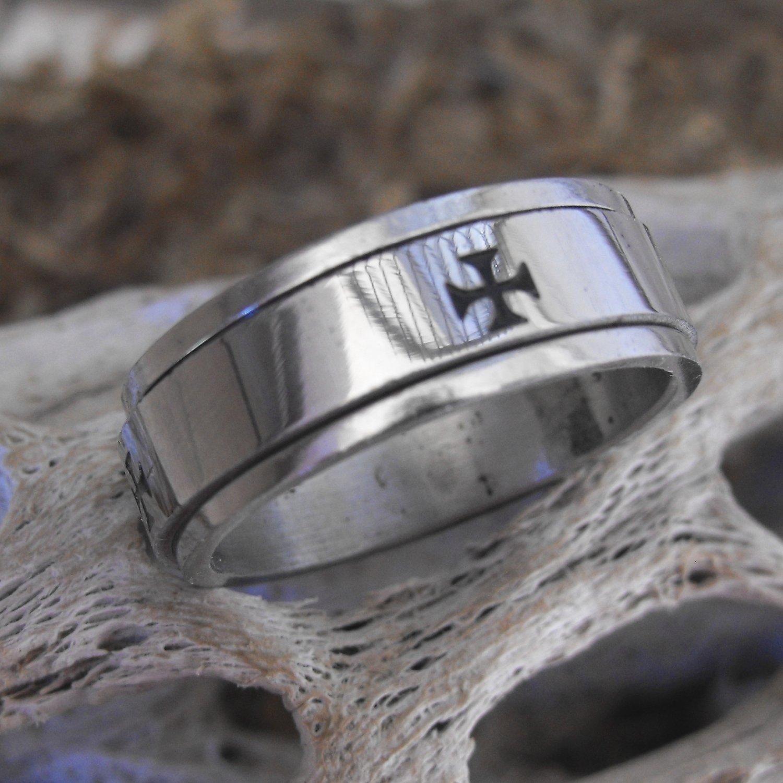 Stainless Steel Cross Spinner Ring (sz.11)