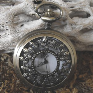 Large Flower Pattern Pocket Watch With Clip Chain