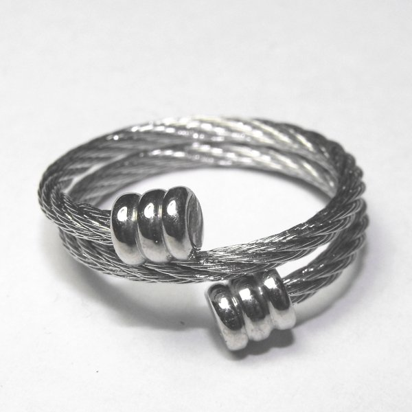 Steel cable double wrap ring with flat end caps sz
