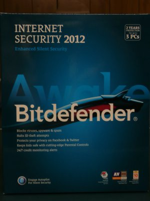 BitDefender Internet Security 2012 Value Edition, 3 Users for 2 Years