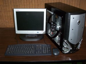 CUSTOM BATTLE ATX PENTIUM 4 DESKTOP COMPUTER