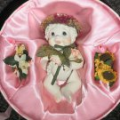"""Dreamsicles """"Special Bouquets"""" Movable Doll In Round Gift Box 2001 #12030"""