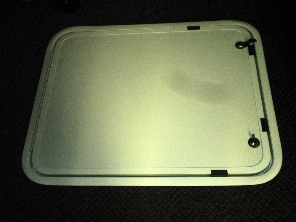 "Elixir RV Radius Lockable Cargo Door With 1  Key Size: 24 1/2"" X 19 3/8"" X 2"""