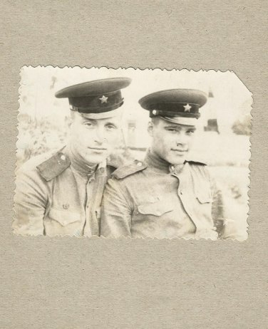 TWO SOVIET SOLDIERS PHOTOGRAPH WITH PERSONAL MESSAGE JUNE 1958 MYKOLAIV