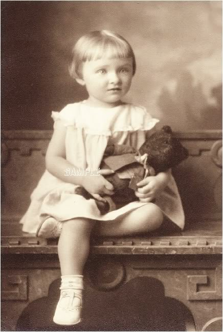 ANTIQUE TEDDY BEAR GIRL PHOTO CANVAS ART PRINT- LARGE