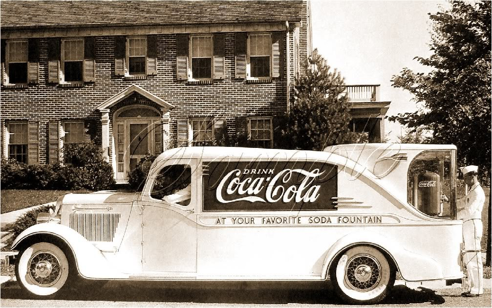 VINTAGE COKE COLA FOUNTAIN TRUCK CANVAS PRINT - LARGE