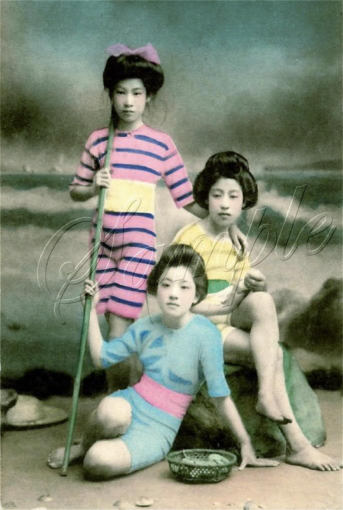 VINTAGE JAPANESE GEISHA GIRL BATHING BEAUTY CANVAS ART