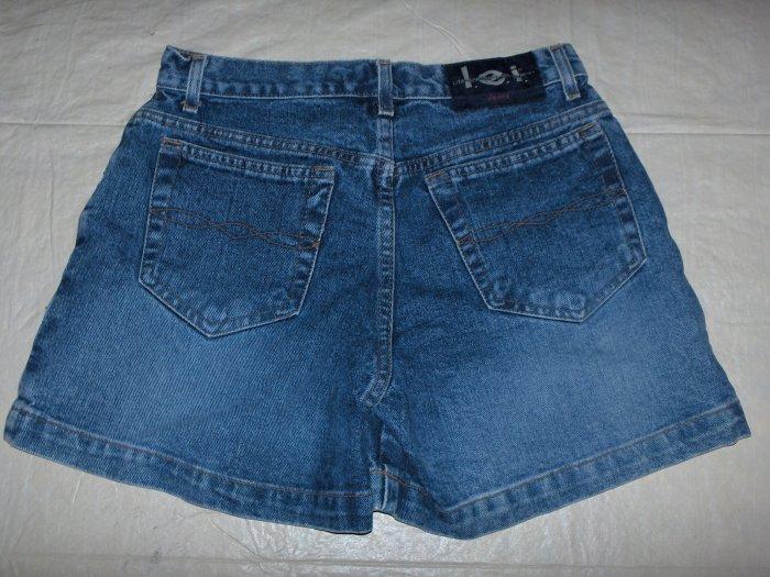 L.E.I. denim shorts~5 pocket~SuPer LOw RiSe~size 3
