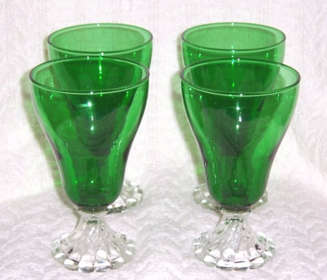 """ANCHOR HOCKING SET OF 4 FOREST GREEN 6 """" WATER GOBLETS"""
