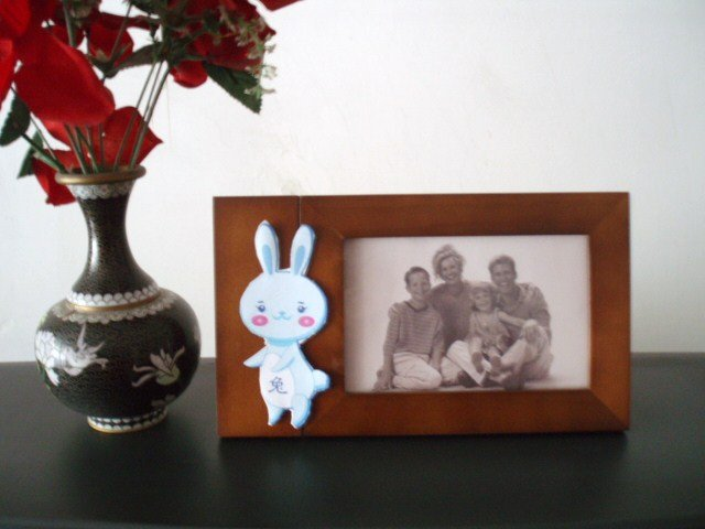 2Pcs. Unique 4x6 inch Wooden Photo Picture Frame With Changeable Shape Ornament Updates Function.UK