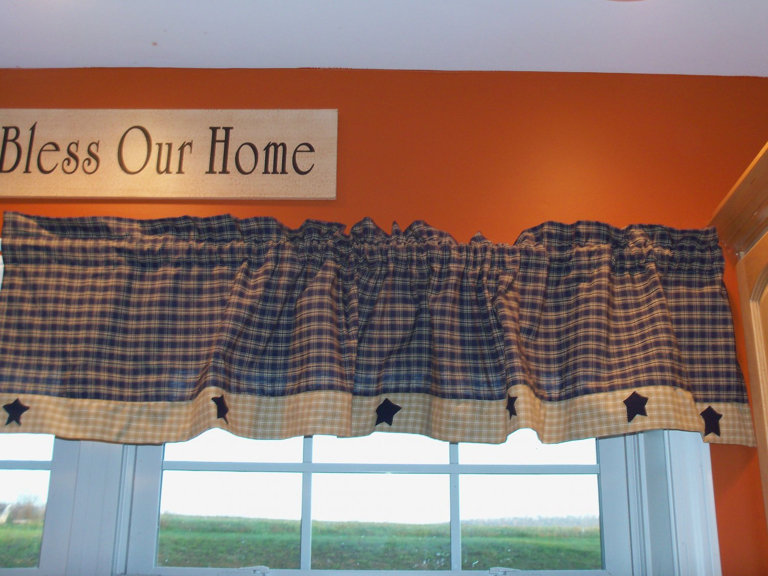 Blue and Cream valance with navy stars..