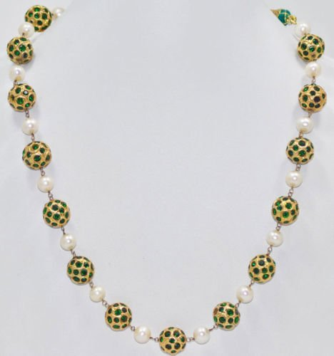 Emerald Studded 22 Kt Lac Balls With Sea Water Pearls